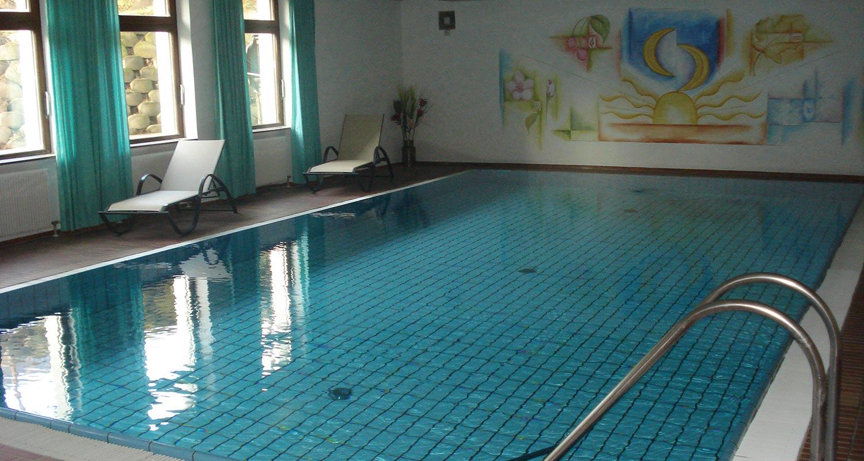 Hotel val pusteria con piscina lo sporthotel rasen - Hotel maranza con piscina coperta ...